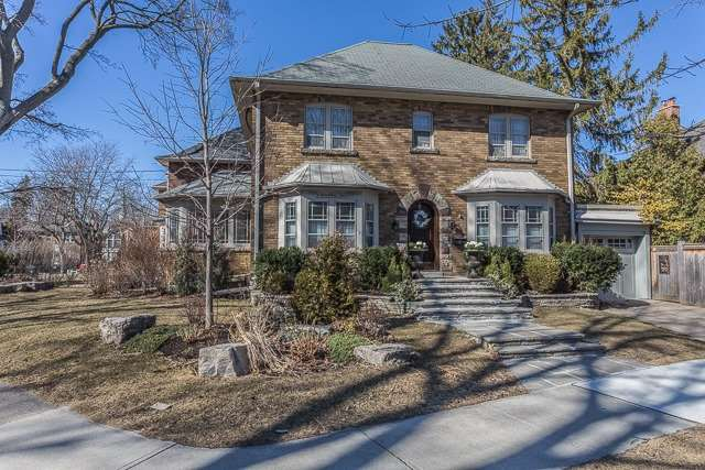 Main Photo: 1 Blythwood Crescent in Toronto: Mount Pleasant East House (2-Storey) for sale (Toronto C10)  : MLS(r) # C3741938
