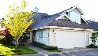"Main Photo: 66 16995 64 Avenue in Surrey: Cloverdale BC Townhouse for sale in ""THE LEXINGTON"" (Cloverdale)  : MLS(r) # R2155356"