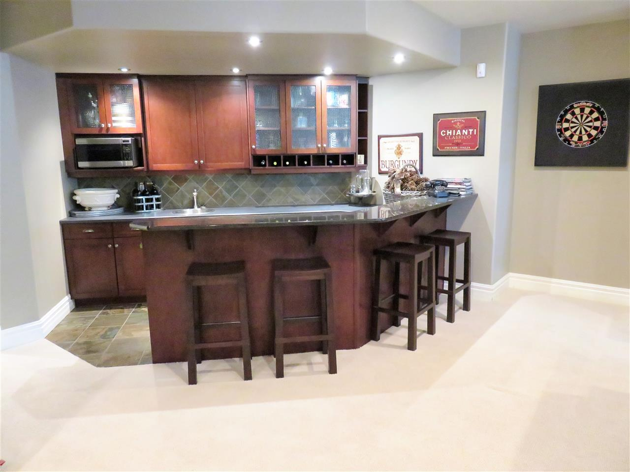 Closeup view of the beautiful wet bar in the basement! Great for lots of entertaining all your family & friends! Hummm...:)