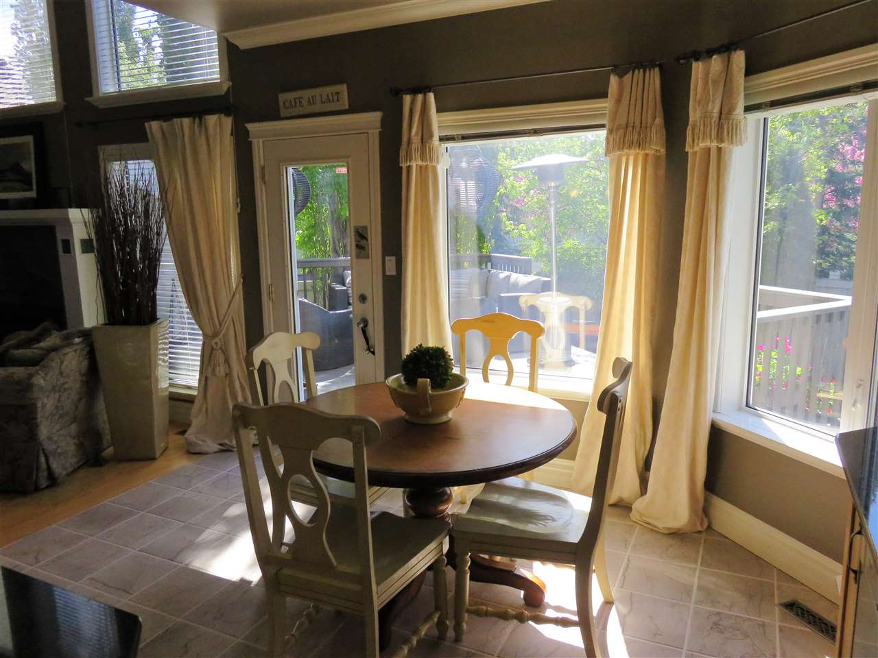 Photo of the Breakfast Nook overlooking the beautiful west facing backyard! :)