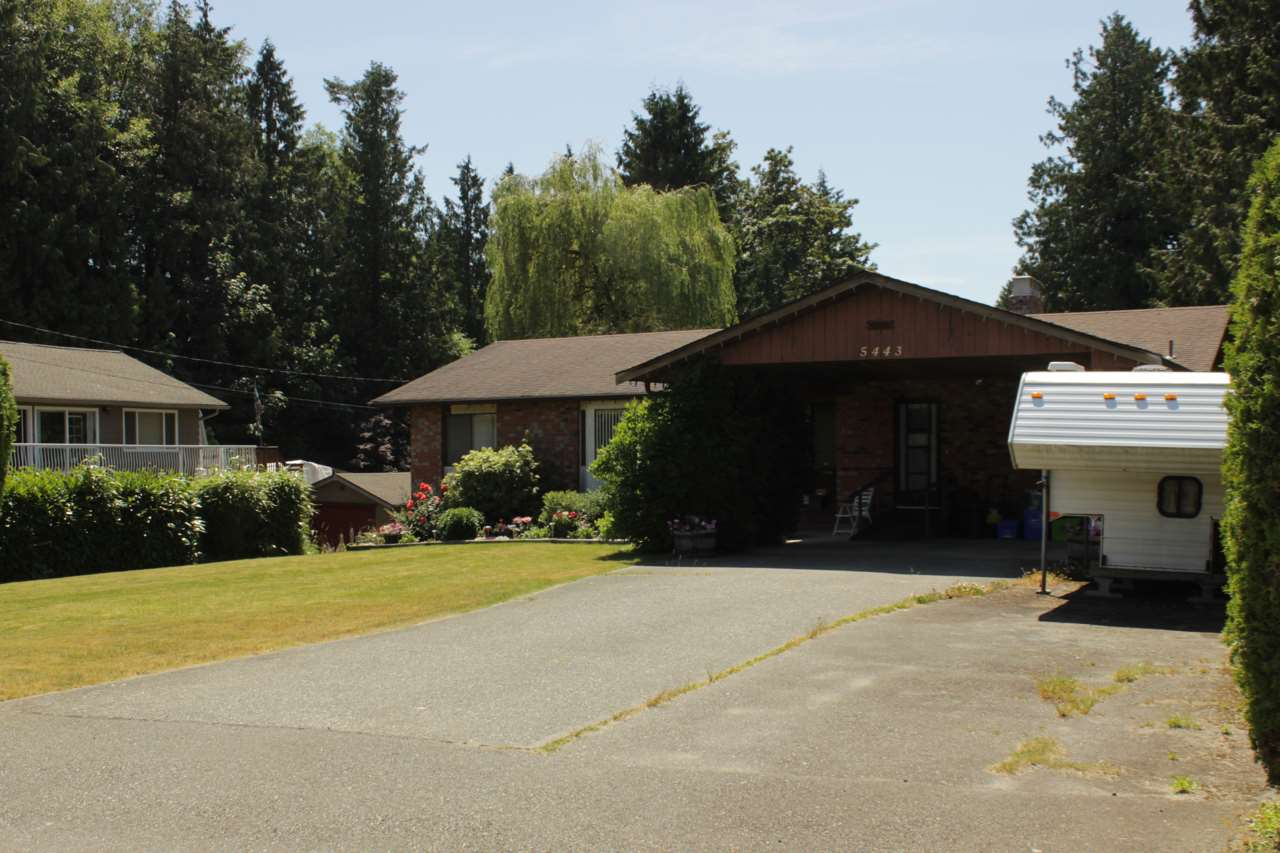 Main Photo: 5443 BRYDON Crescent in Langley: Langley City House for sale : MLS(r) # R2186783
