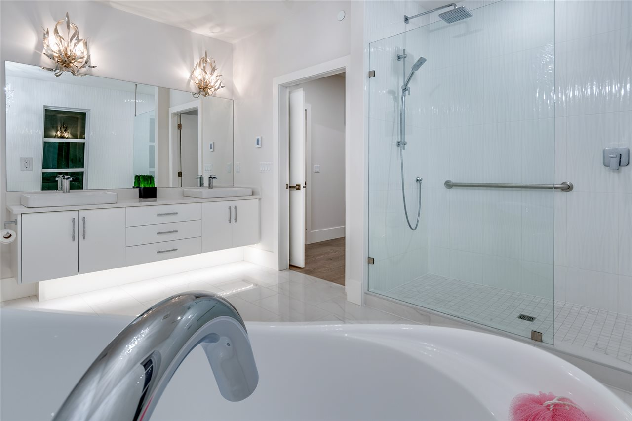 STUNNING LUXURY ENSUITE BATHROOM