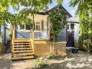 Main Photo: 4365 PRINCE ALBERT Street in Vancouver: Fraser VE House for sale (Vancouver East)  : MLS® # R2215929