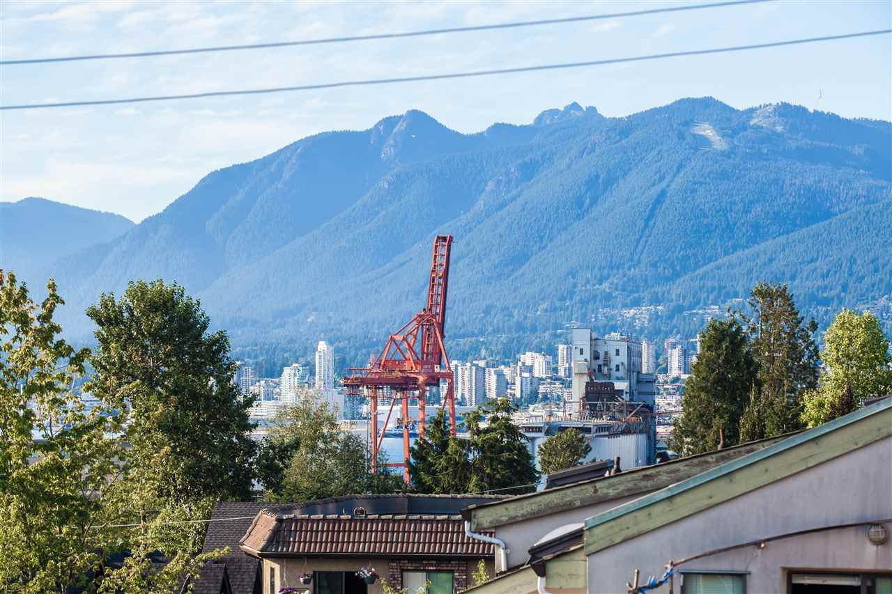 Main Photo: 403 1823 E GEORGIA Street in Vancouver: Hastings Condo for sale (Vancouver East)  : MLS® # R2216469