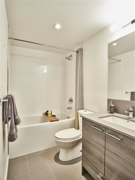 "Photo 8: Photos: 8 10581 140 Street in Surrey: Whalley Townhouse for sale in ""HQ - THRIVE"" (North Surrey)  : MLS® # R2220194"