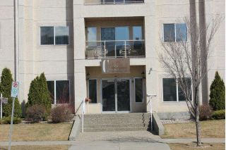 Main Photo:  in Edmonton: Zone 20 Condo for sale : MLS® # E4097529
