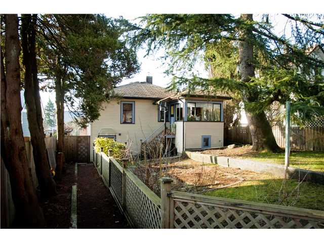 Photo 9: 333 SIMPSON Street in New Westminster: Sapperton House for sale : MLS(r) # V874487