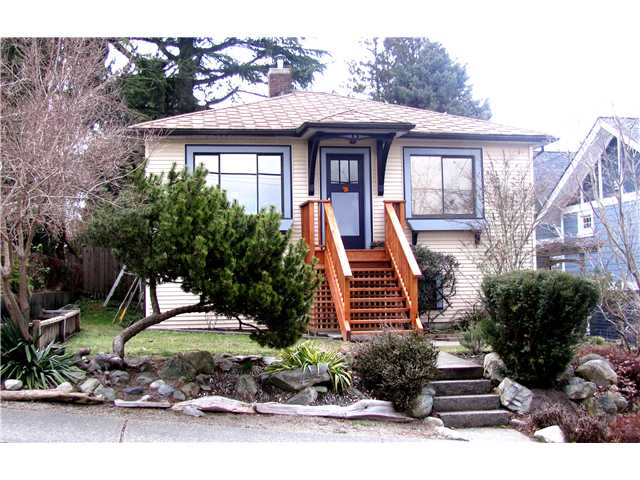 Main Photo: 333 SIMPSON Street in New Westminster: Sapperton House for sale : MLS(r) # V874487