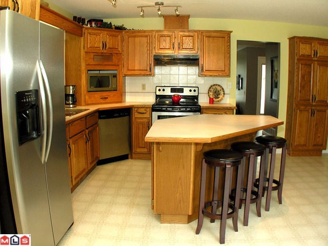 "Photo 2: 44713 KIMBERLY Place in Sardis: Vedder S Watson-Promontory House for sale in ""WATSON GLEN"" : MLS(r) # H1103712"