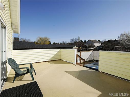 Photo 17: 1743 Newton Street in VICTORIA: Vi Jubilee Single Family Detached for sale (Victoria)  : MLS(r) # 334245