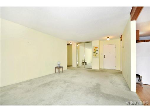 Photo 5: 208 1725 Cedar Hill Cross Road in VICTORIA: SE Mt Tolmie Condo Apartment for sale (Saanich East)  : MLS® # 346130