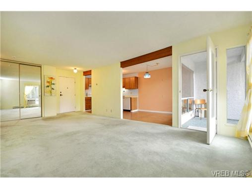 Photo 14: 208 1725 Cedar Hill Cross Road in VICTORIA: SE Mt Tolmie Condo Apartment for sale (Saanich East)  : MLS® # 346130