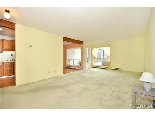 Photo 4: 208 1725 Cedar Hill Cross Road in VICTORIA: SE Mt Tolmie Condo Apartment for sale (Saanich East)  : MLS® # 346130