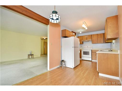 Photo 6: 208 1725 Cedar Hill Cross Road in VICTORIA: SE Mt Tolmie Condo Apartment for sale (Saanich East)  : MLS® # 346130