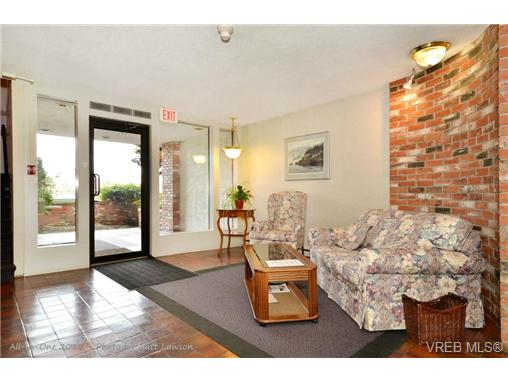 Photo 20: 208 1725 Cedar Hill Cross Road in VICTORIA: SE Mt Tolmie Condo Apartment for sale (Saanich East)  : MLS® # 346130