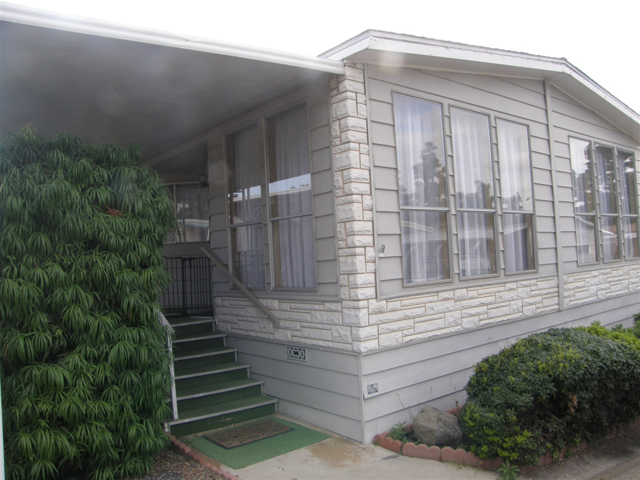 Main Photo: CARLSBAD WEST Manufactured Home for sale : 2 bedrooms : 7317 San Bartolo in Carlsbad