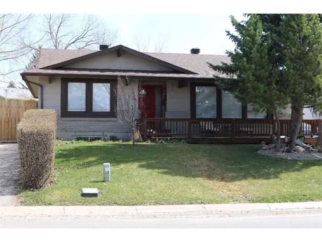 Photo 1: 136 WALDRON Avenue: Okotoks House for sale : MLS® # C4007903
