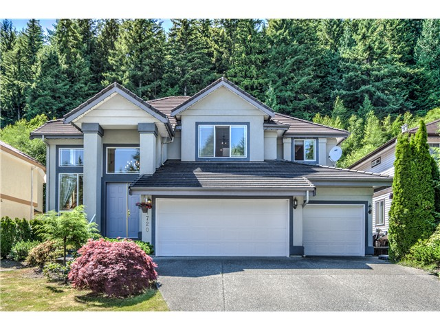 "Main Photo: 1720 SUGARPINE Court in Coquitlam: Westwood Plateau House for sale in ""WESTWOOD PLATEAU"" : MLS® # V1130720"