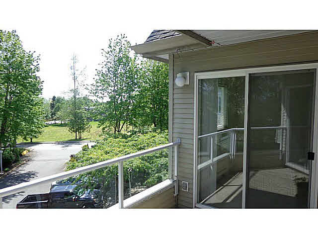 "Main Photo: 306 16137 83RD Avenue in Surrey: Fleetwood Tynehead Condo for sale in ""THE FERNWOOD"" : MLS®# F1451103"