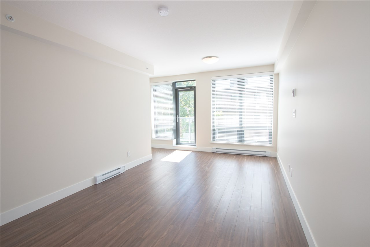 "Photo 3: 110 258 SIXTH Street in New Westminster: Uptown NW Townhouse for sale in ""258"" : MLS(r) # R2026932"