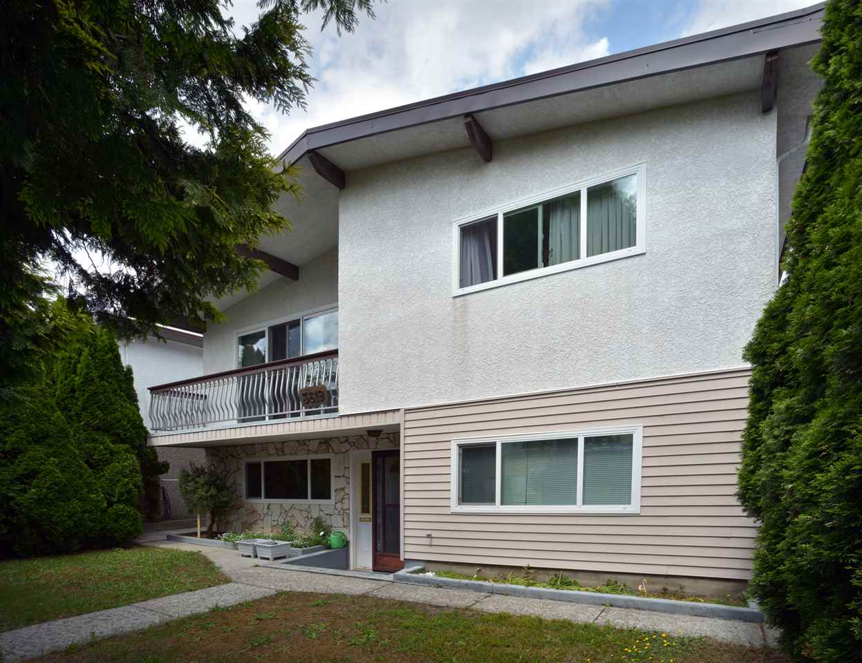 Main Photo: 3619 MOSCROP Street in Vancouver: Collingwood VE House for sale (Vancouver East)  : MLS®# R2073239