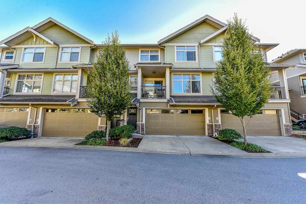 "Main Photo: 33 22225 50 Avenue in Langley: Murrayville Townhouse for sale in ""MURRAY'S LANDING"" : MLS® # R2110990"