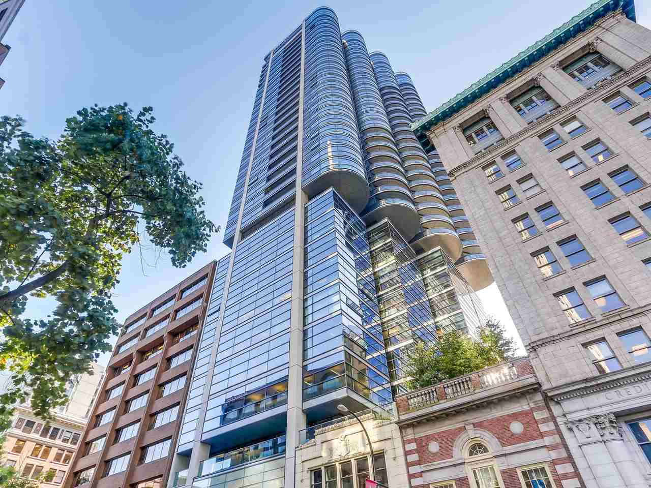 "Main Photo: 2302 838 W HASTINGS Street in Vancouver: Downtown VW Condo for sale in ""JAMESON HOUSE"" (Vancouver West)  : MLS® # R2112563"