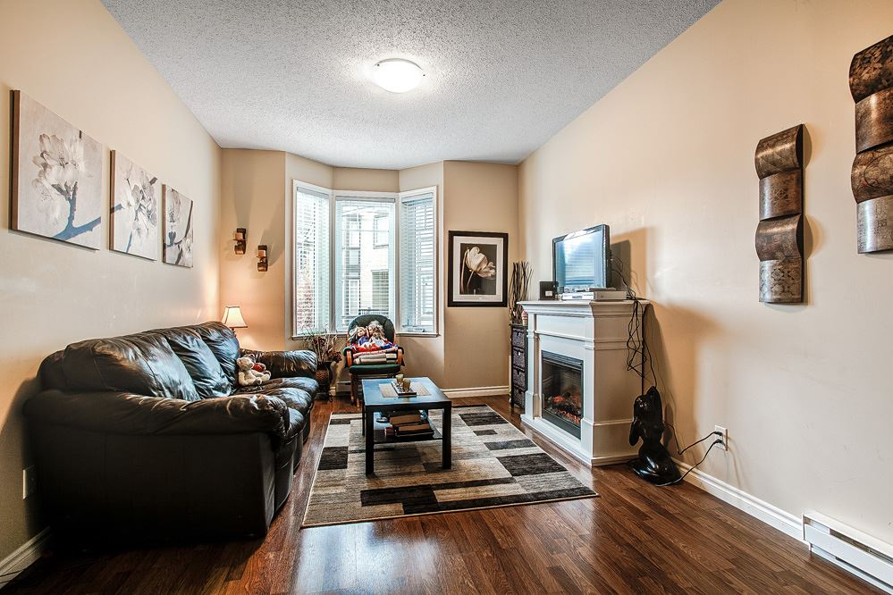 "Photo 5: 12 32501 FRASER Crescent in Mission: Mission BC Townhouse for sale in ""FRASER LANDING"" : MLS(r) # R2117880"