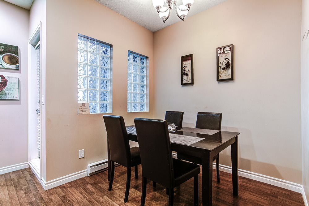 "Photo 4: 12 32501 FRASER Crescent in Mission: Mission BC Townhouse for sale in ""FRASER LANDING"" : MLS(r) # R2117880"