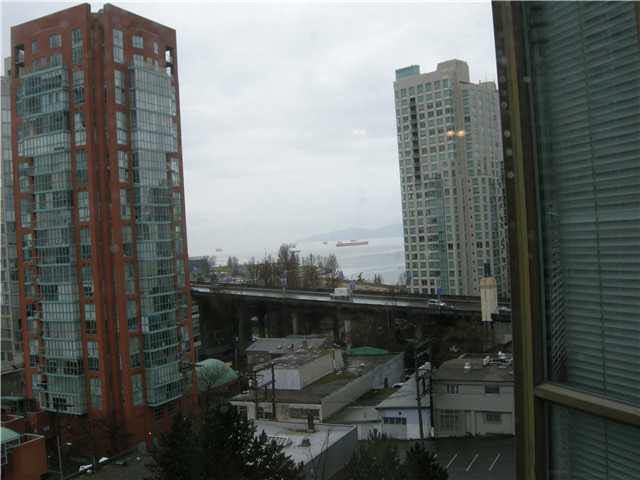 Main Photo: 909 888 PACIFIC STREET in : Yaletown Condo for sale : MLS(r) # V879471
