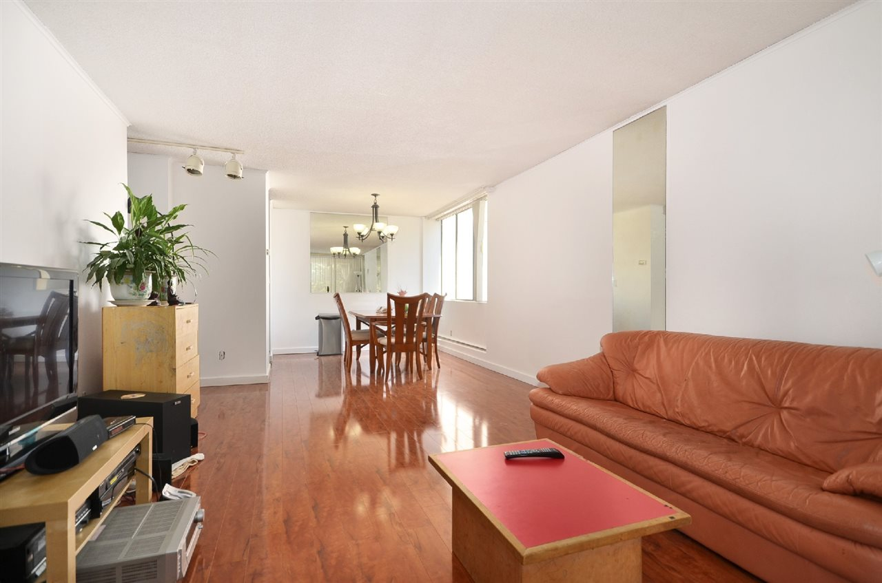 "Photo 4: 204 2020 BELLWOOD Avenue in Burnaby: Brentwood Park Condo for sale in ""VANTAGE POINT"" (Burnaby North)  : MLS® # R2156785"