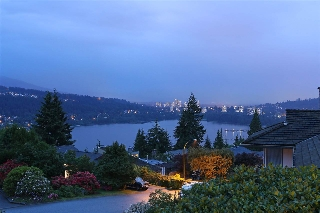 Main Photo: 530 YALE Road in Port Moody: College Park PM House for sale : MLS(r) # R2171738