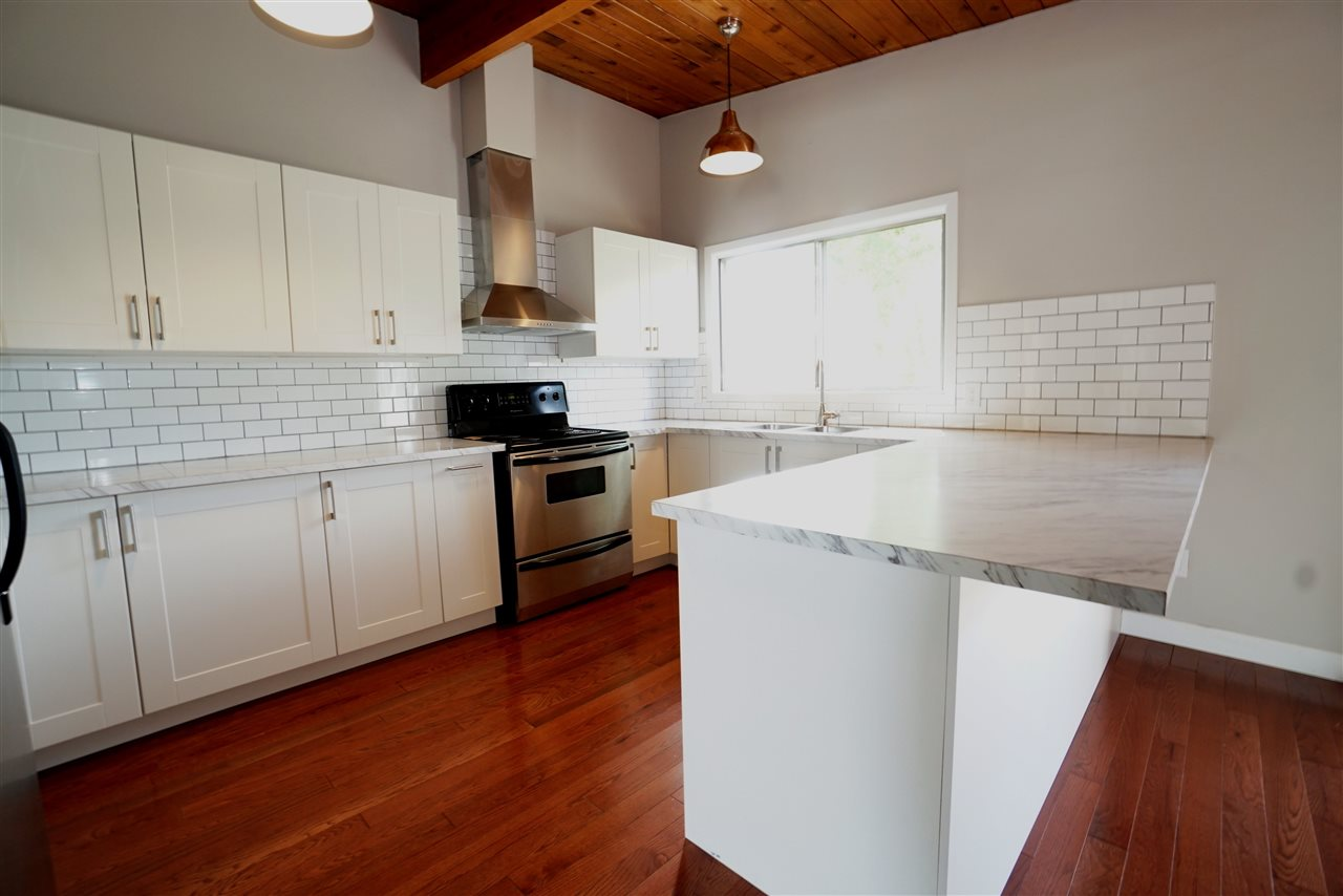 Beautiful Full Renovated Kitchen