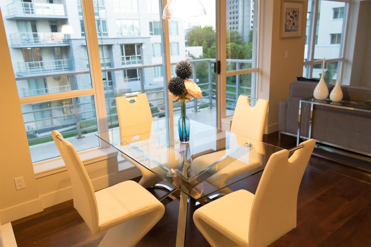"Photo 5: 401 6080 IONA Drive in Vancouver: University VW Condo for sale in ""STIRLING HOUSE by INTRACORP"" (Vancouver West)  : MLS® # R2182926"