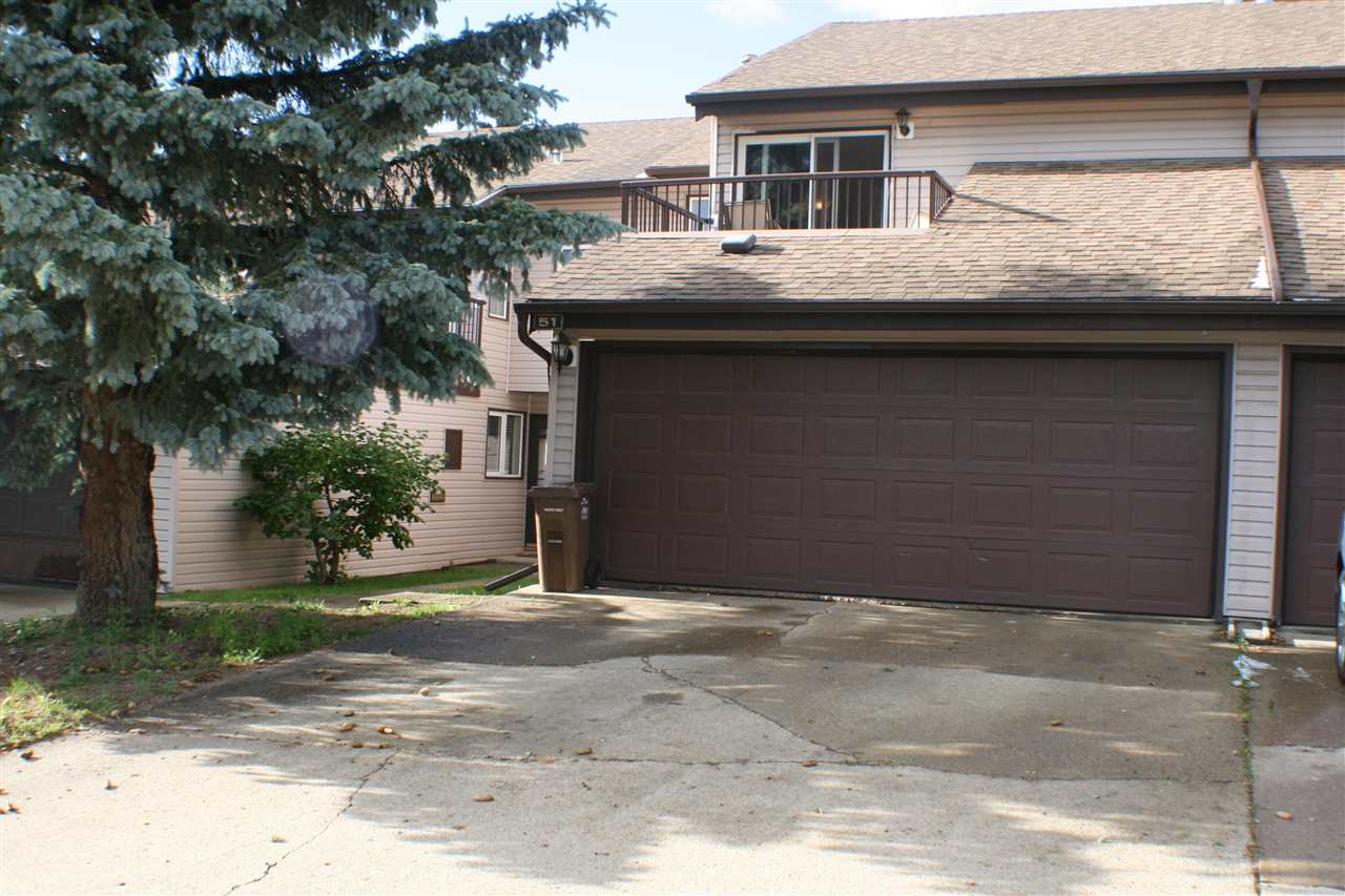 Main Photo: 51 GRANDIN WOODS Estates: St. Albert Townhouse for sale : MLS(r) # E4071403