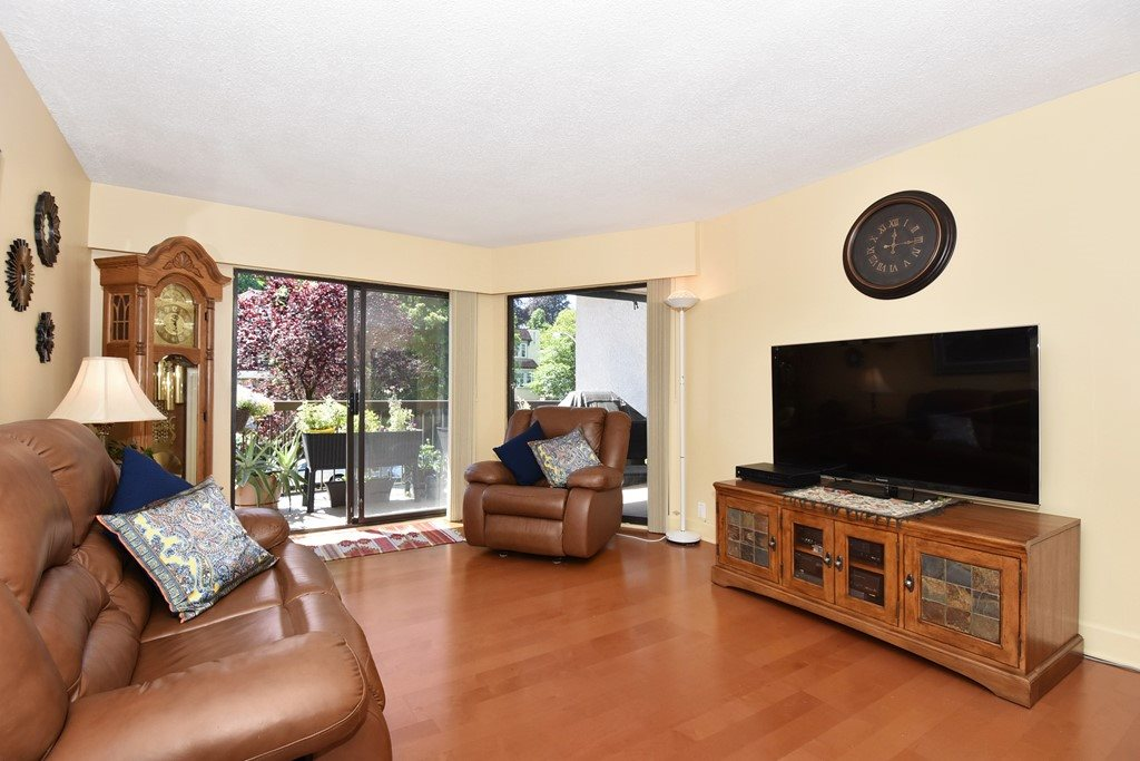 "Photo 2: 318 1235 W 15TH Avenue in Vancouver: Fairview VW Condo for sale in ""THE SHAUGHNESSY"" (Vancouver West)  : MLS(r) # R2186256"
