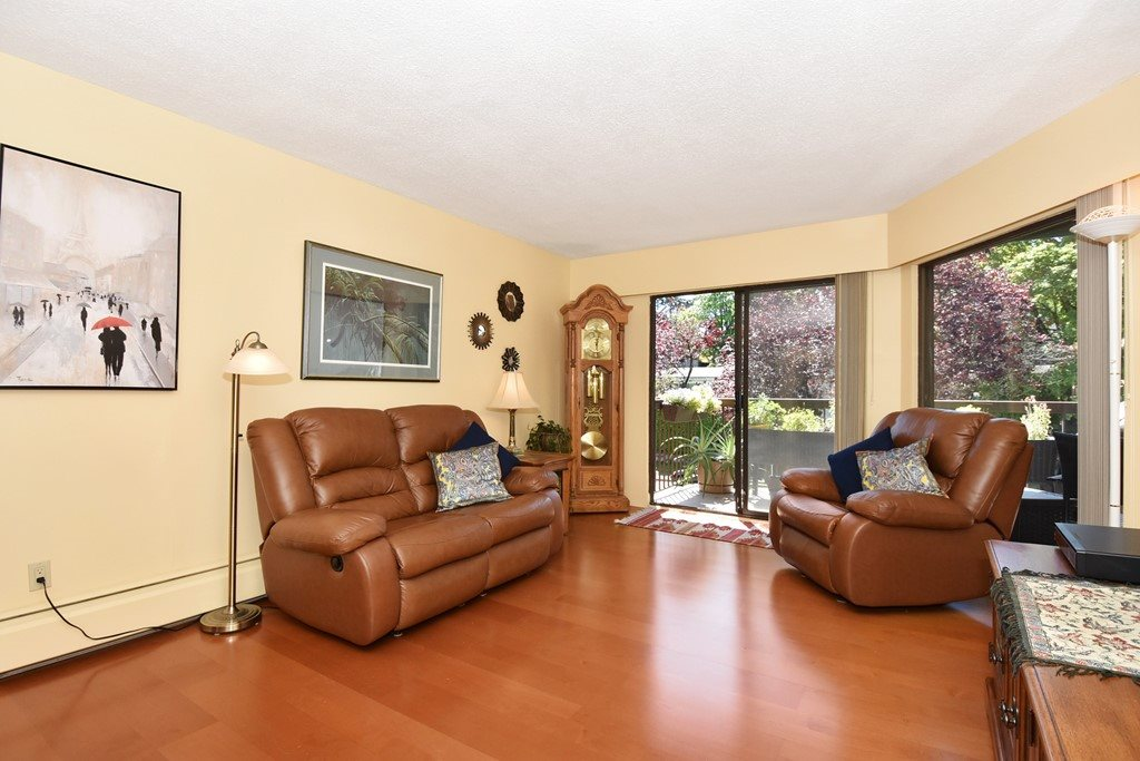 "Photo 3: 318 1235 W 15TH Avenue in Vancouver: Fairview VW Condo for sale in ""THE SHAUGHNESSY"" (Vancouver West)  : MLS(r) # R2186256"