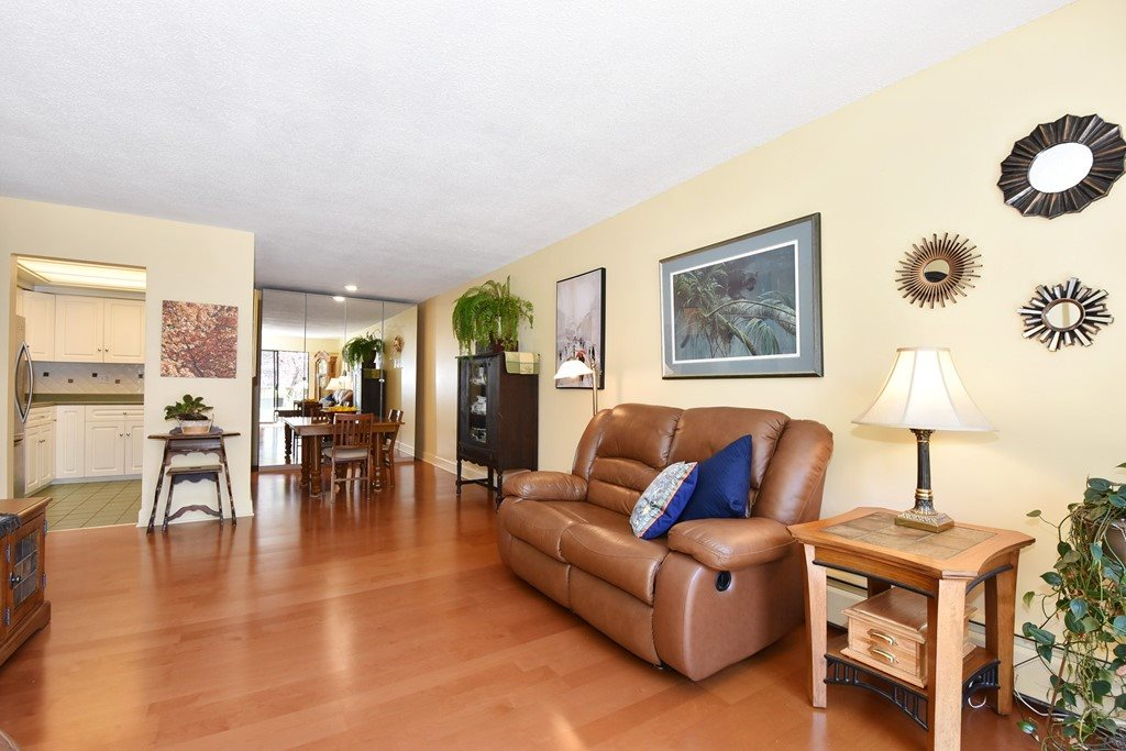 "Photo 4: 318 1235 W 15TH Avenue in Vancouver: Fairview VW Condo for sale in ""THE SHAUGHNESSY"" (Vancouver West)  : MLS(r) # R2186256"