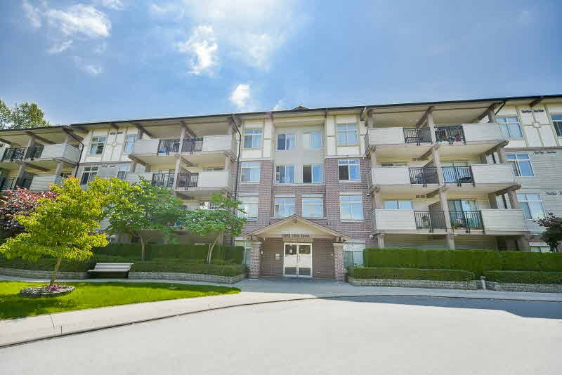 "Main Photo: 311 10088 148 Street in Surrey: Guildford Condo for sale in ""Bloomsbury Court"" (North Surrey)  : MLS®# R2186642"