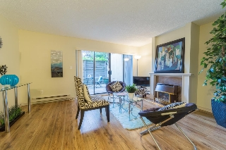 "Main Photo: 3172 MOUNTAIN Highway in North Vancouver: Lynn Valley Townhouse for sale in ""VALLEY TERRACE"" : MLS® # R2205828"