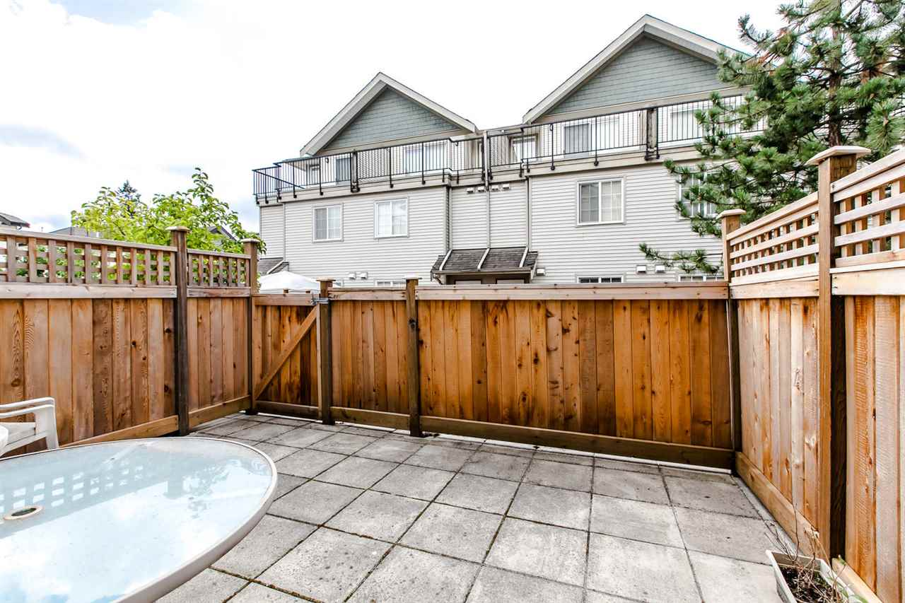 Photo 9: Photos: 48 14855 100 Avenue in Surrey: Guildford Townhouse for sale (North Surrey)  : MLS® # R2207594