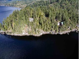 Main Photo: 6101 CORACLE Drive in Sechelt: Sechelt District Home for sale (Sunshine Coast)  : MLS® # R2229234