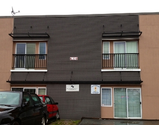 Main Photo: 7012 Merritt Avenue in Burnaby: Home for lease (Burnaby South)