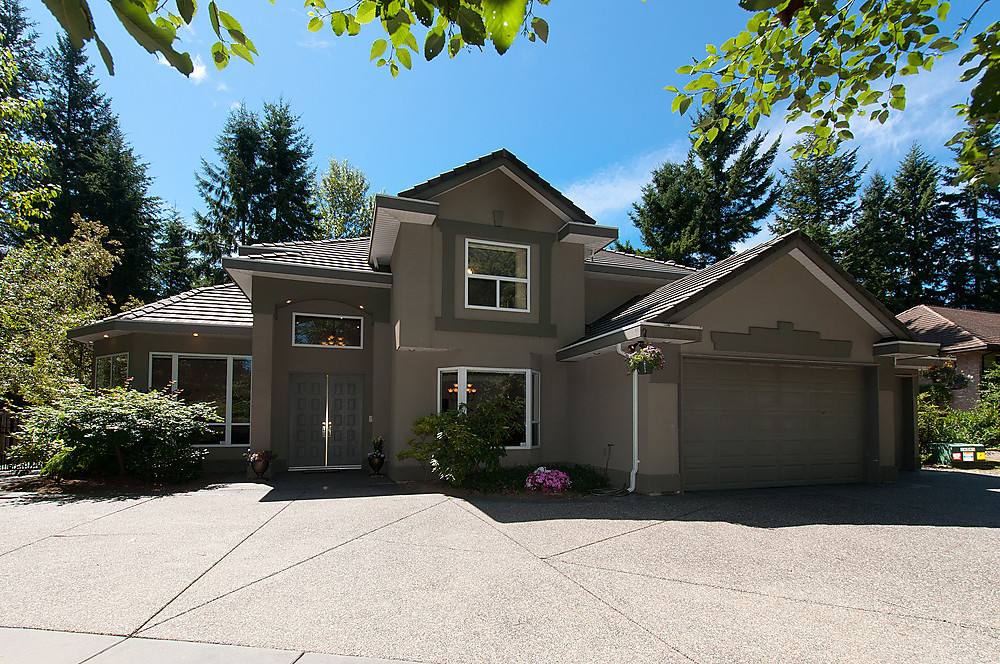 "Main Photo: 5445 123RD Street in Surrey: Panorama Ridge House for sale in ""PANORAMA RIDGE"" : MLS® # F1409369"