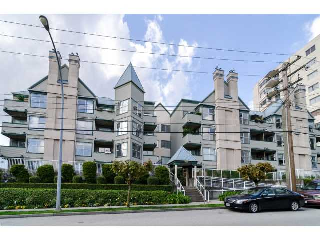 "Main Photo: 107 509 CARNARVON Street in New Westminster: Downtown NW Condo for sale in ""HILLSIDE PLACE"" : MLS® # V1063206"