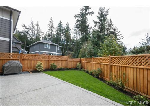 Photo 19: 1047 Braeburn Avenue in VICTORIA: La Happy Valley Single Family Detached for sale (Langford)  : MLS(r) # 343643