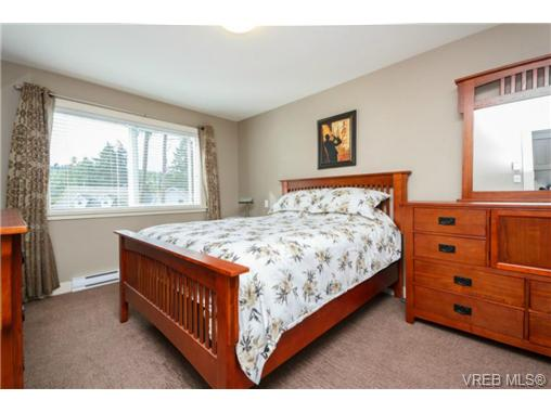Photo 14: 1047 Braeburn Avenue in VICTORIA: La Happy Valley Single Family Detached for sale (Langford)  : MLS(r) # 343643