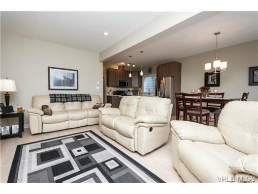 Photo 5: 1047 Braeburn Avenue in VICTORIA: La Happy Valley Single Family Detached for sale (Langford)  : MLS(r) # 343643