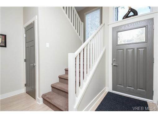 Photo 3: 1047 Braeburn Avenue in VICTORIA: La Happy Valley Single Family Detached for sale (Langford)  : MLS(r) # 343643