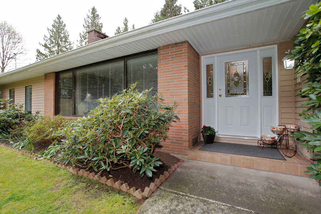 Photo 2: 20556 GRADE Crescent in Langley: Langley City House for sale : MLS® # F1436559